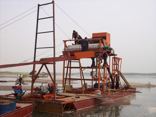 抽沙泵式铁沙船